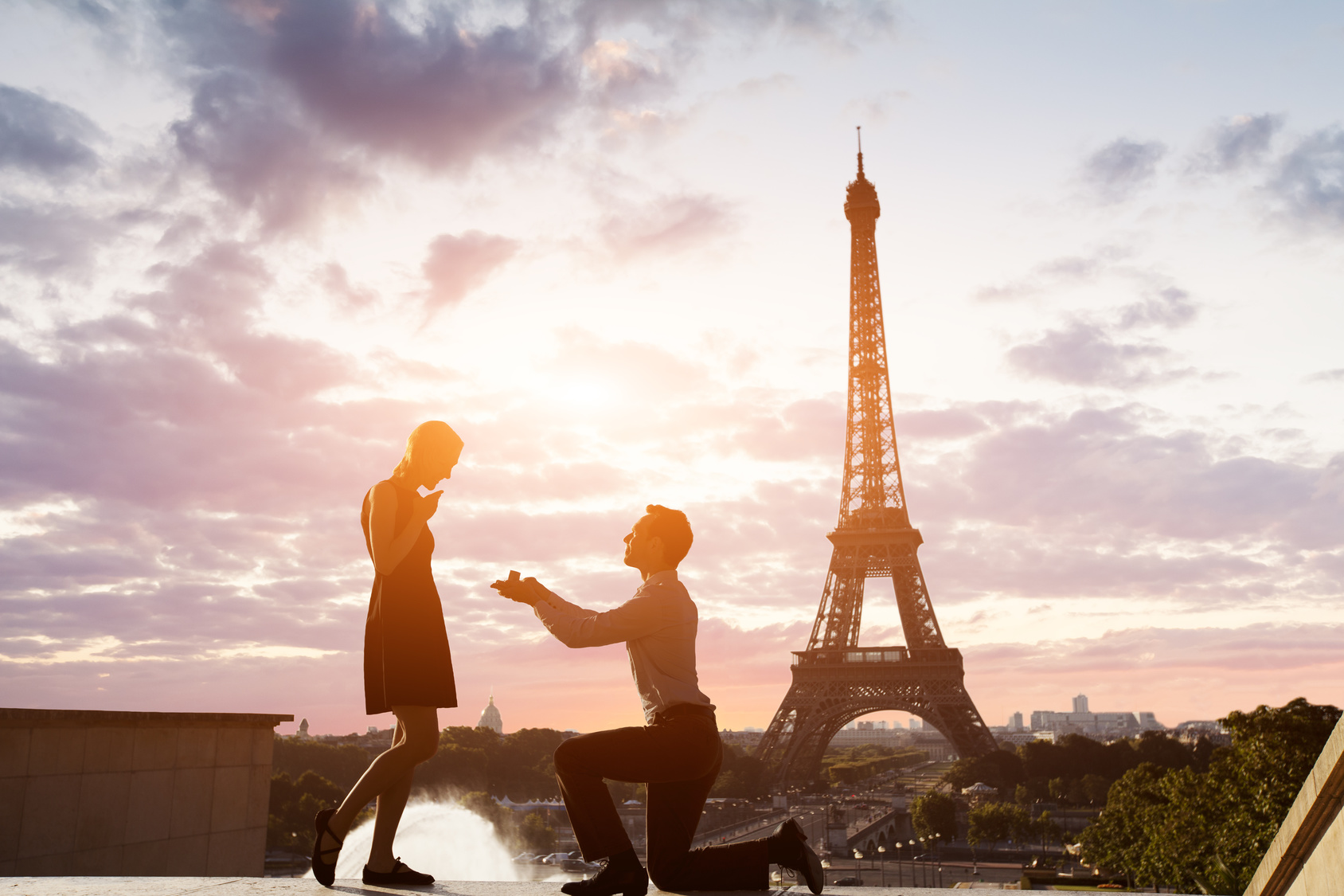 Romantic marriage proposal at Eiffel Tower, Paris, France
